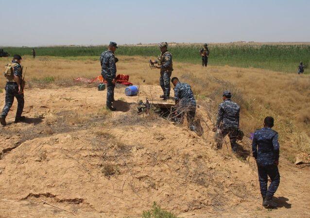 تدمير مخابئ احتوت مواد خطرة لـداعش في العراق