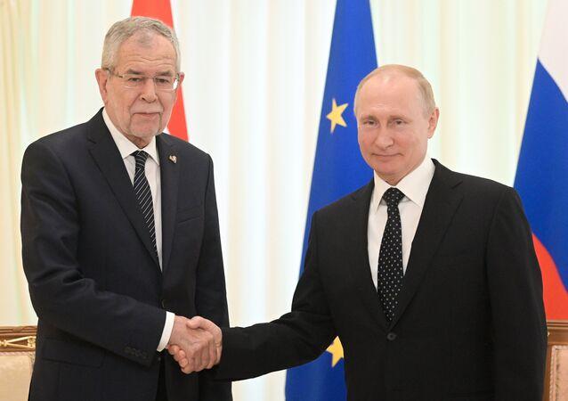الرئيس النمساوي ألكسندر فان دير بيلين يلتقي مع الرئيس الروسي فلاديمير بوتين، 15 مايو/ أيار 2019