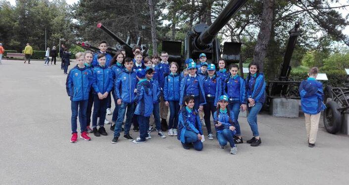 أطفال سوريون يزورون معسكر أرتيك في القرم الروسية