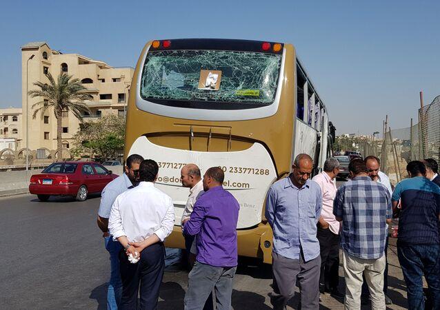 حافلة سياح تضررت نتيجة التفجير