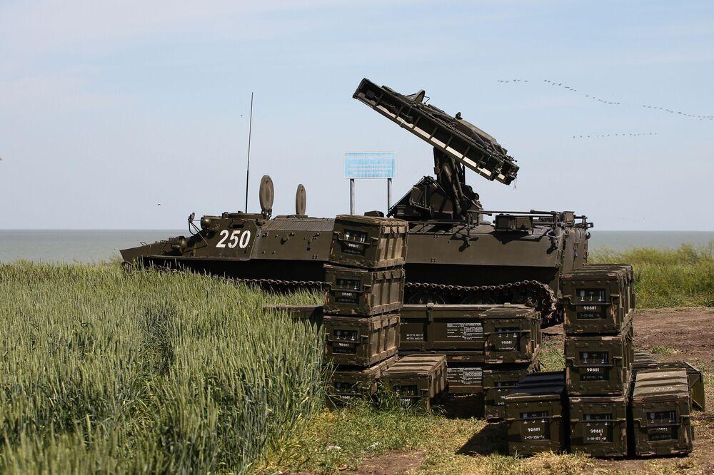 مسابقة تشيستويه نيبو (السماء النظيفة) للجيش في ميدان ييسك التابع لمركز التدريب للدفاع العسكري المضاد للطائرات - نظام الصواريخ المضاد للصواريخ ستريلا-10إم3