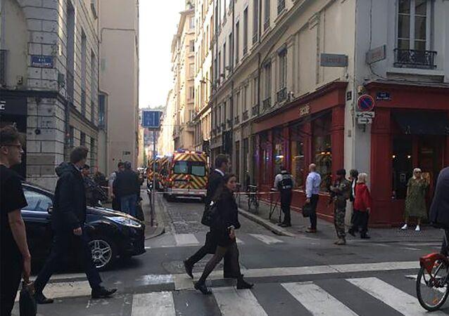 انفجار عبوة ناسفة في شارع فيكتور هوغو بمدينة ليون في فرنسا