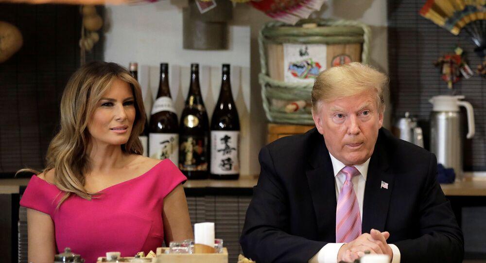 الرئيس الأمريكي دونالد ترامب وزوجته