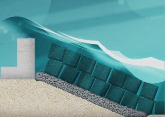 بناء حائط بحري بطريقة مبتكرة