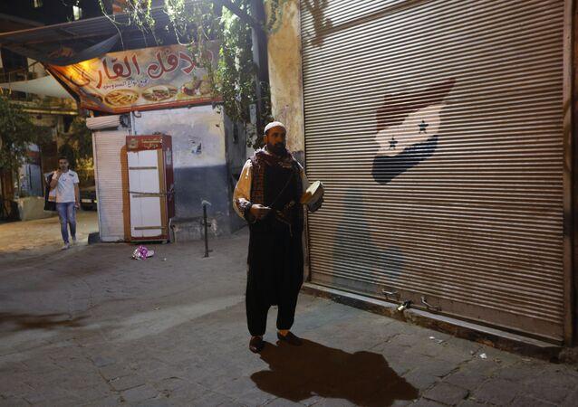 سبوتنيك ترافق مسحراتي رمضان في أعرق أحياء دمشق