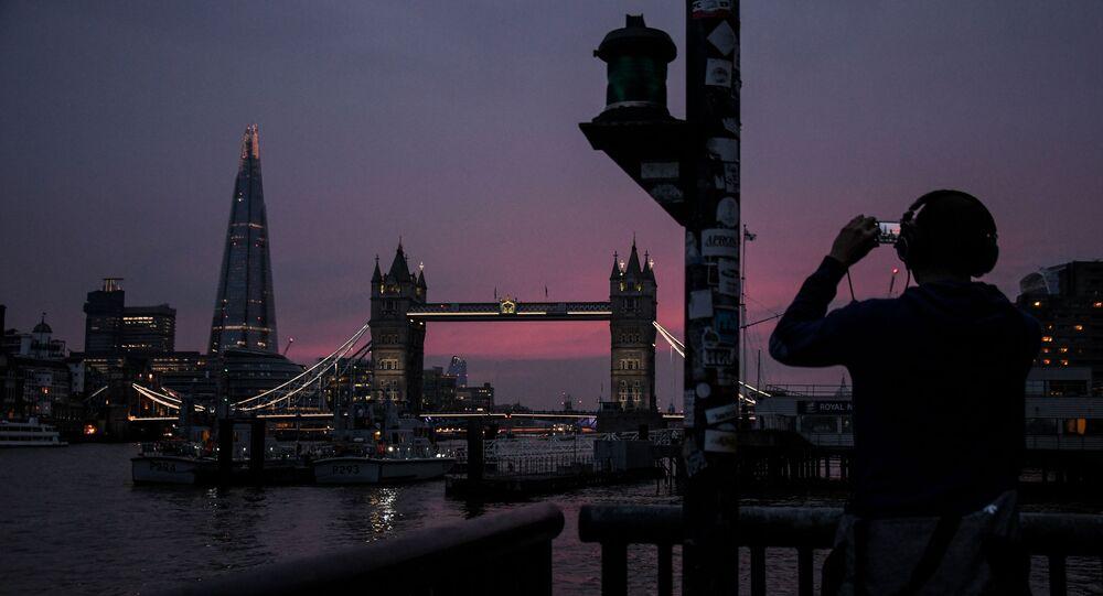 أطول ناطحة سحاب برج شارد (The Shard) و جسر البرج(London Bridge) في لندن