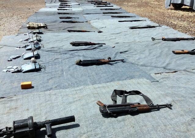الأمن السوري يضبط أسلحة ومسروقات من مخلفات إرهابيي القنيطرة