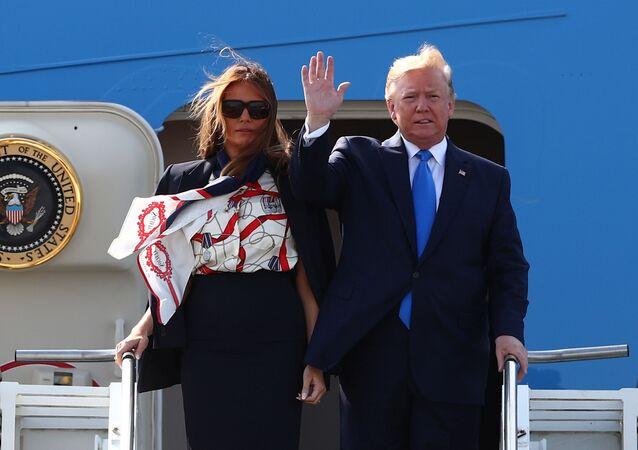 الرئيس الأمريكي دونالد ترامب وزوجته ميلانيا ترامب يصلان مطار ستانستد في لندن، المملكة المتحدة، 3 يونيو/حزيران 2019