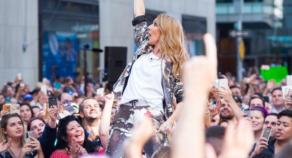 المغنية سيلين ديون خلال الحفل الغنائي NBC's Today show  في نيويورك، 2016