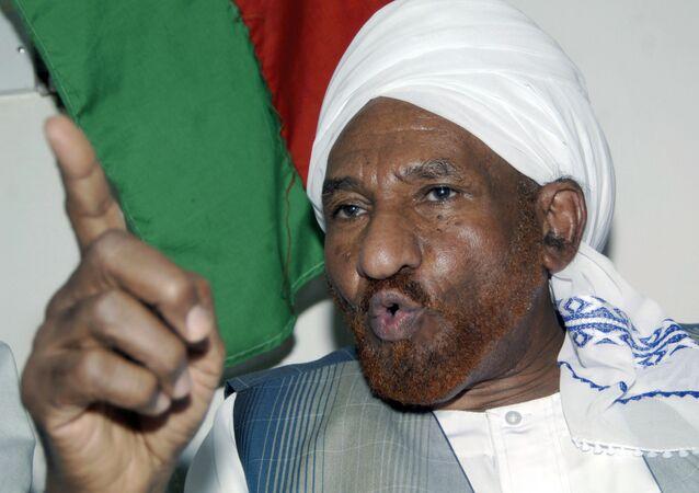 زعيم حزب الأمة السوداني الصادق المهدي