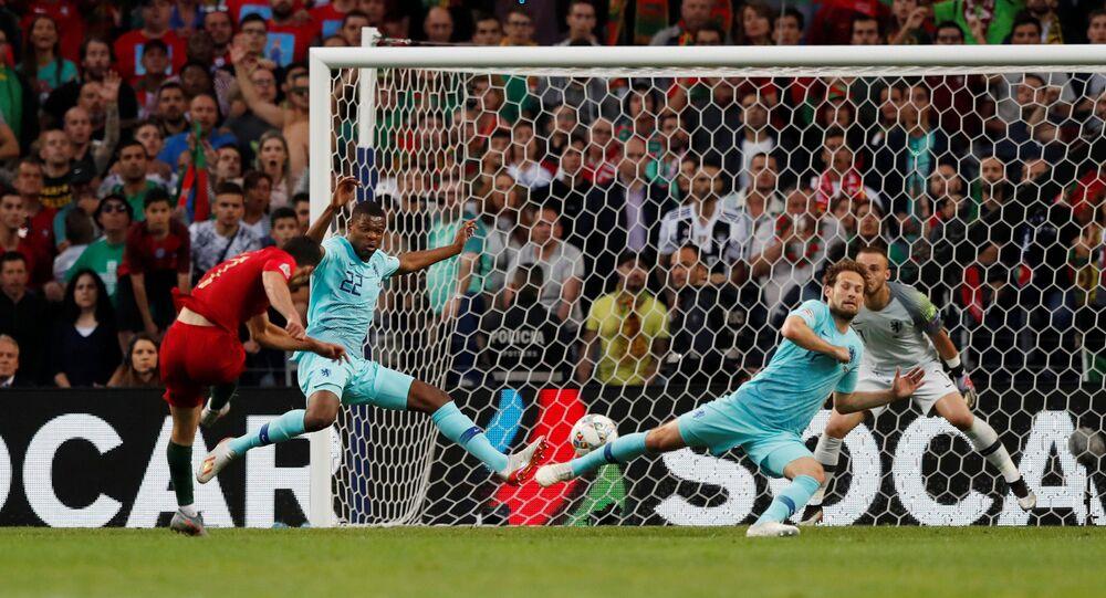 البرتغال وهولندا في نهائي كأس أمم أوروبا