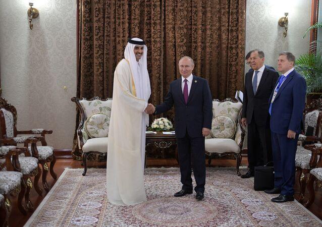 الرئيس الروسي فلاديمير بوتين وأمير قطر الشيخ تميم بن حمد آل الثاني في طاجستان