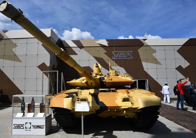 افتتاح المنتدى التقني العسكري أرميا 2019 في الحديقة العسكرية الوطنية باتريوت (دبابة تي-90- تي سي)