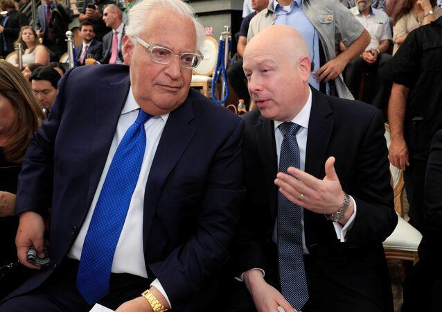 السفير الأمريكي في إسرائيل ديفيد فريدمان، ومبعوث ترامب إلى الشرق الأوسط، جيسون غرينبلات