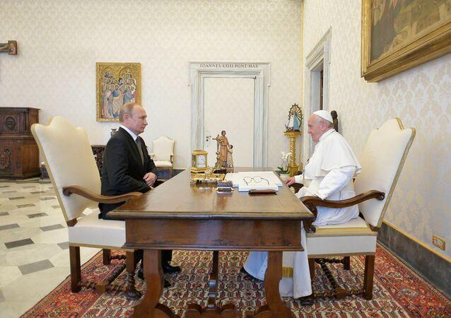 الرئيس فلاديمير بوتين يلتقي ببابا الفاتيكان فرانسيس، إيطاليا 4 يوليو/ تموز 2019