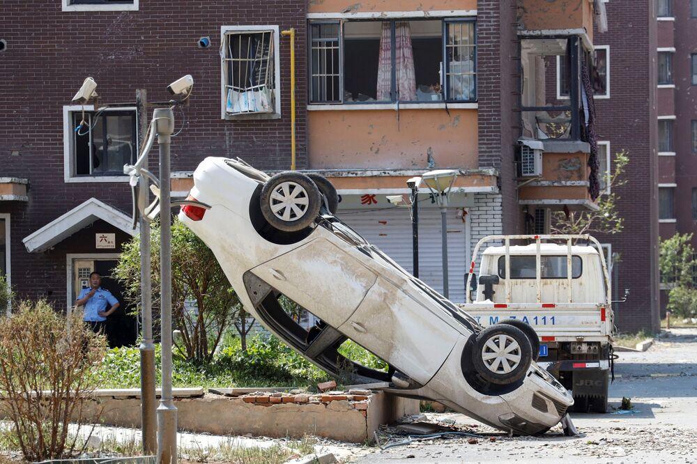 سيارة مقلوبة نتيجة إعصار ضرب مقاطعة كايوان، شمال الصين 4 يوليو/ تمو 2019