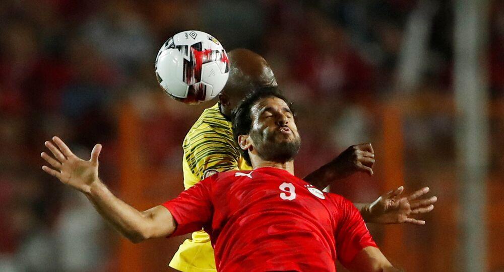 لاعب متخب مصر، مروان محسن خلال مباراة مصر وجنوب أفريقيا ببطولة كأس الأمم الأفريقية