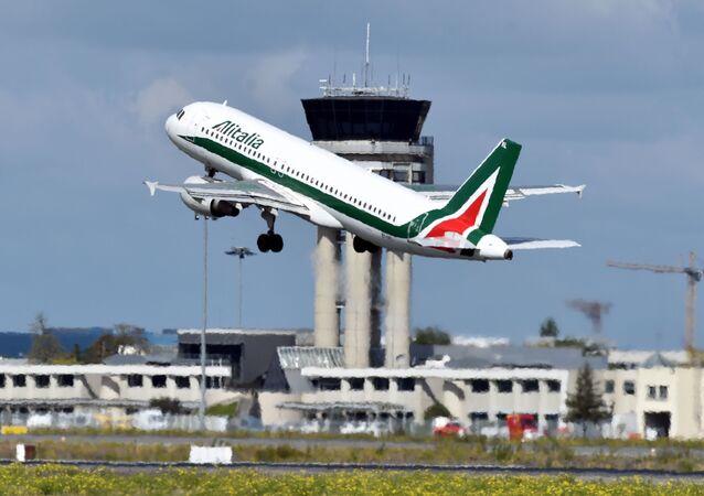 طيران الإيطالية