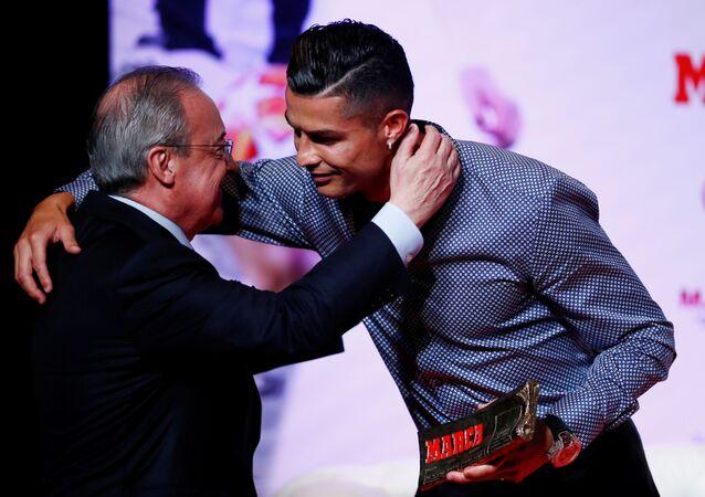 كريستيانو رونالدو خلال حفل جائزة ماركا