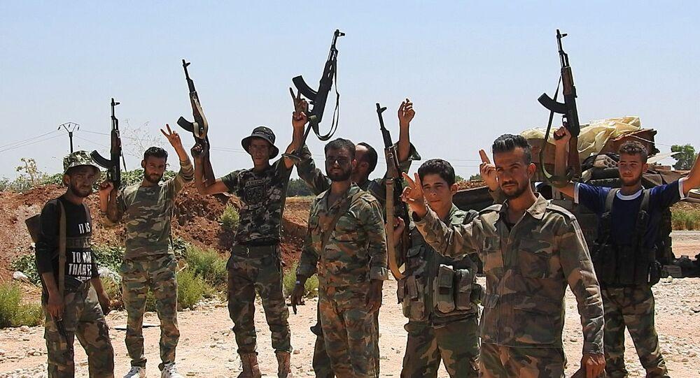 انتشار الجيش السوري على طريق استراتيجي شمال حماة بعد تحريره