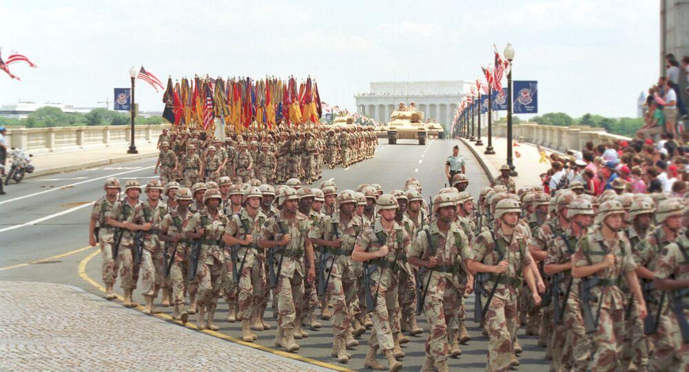 مسيرة القوات الأمريكية في واشنطن