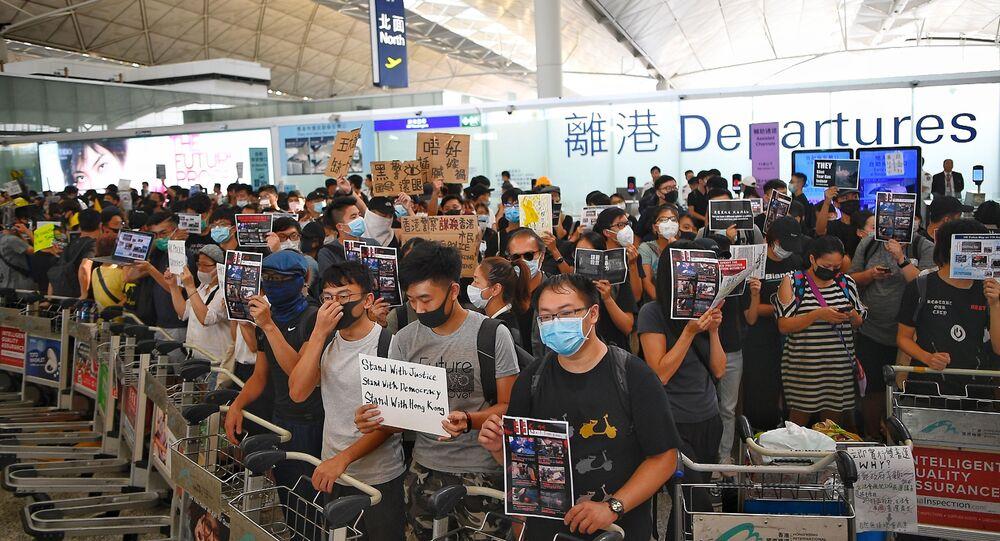 استمرار الاحتجاجات بداخل مطار هونغ كونغ، الصين، 13 أغسطس/آب 2019