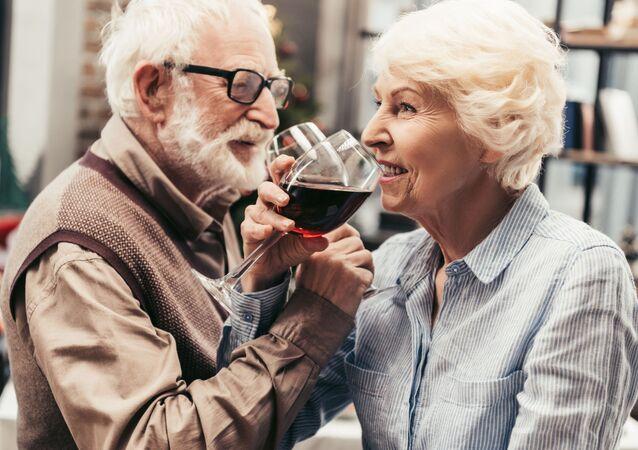 زوجان مسنان