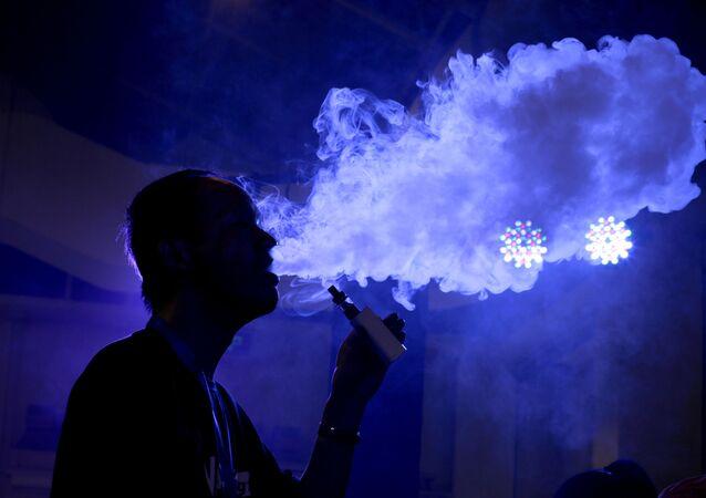 سجائر إلكترونية