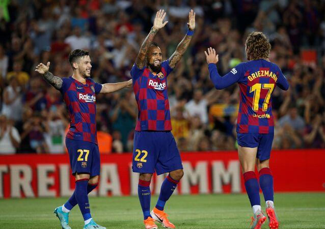 برشلونة الإسباني من الفوز على ريال بيتيس 5 /2 في الدوري الإسباني