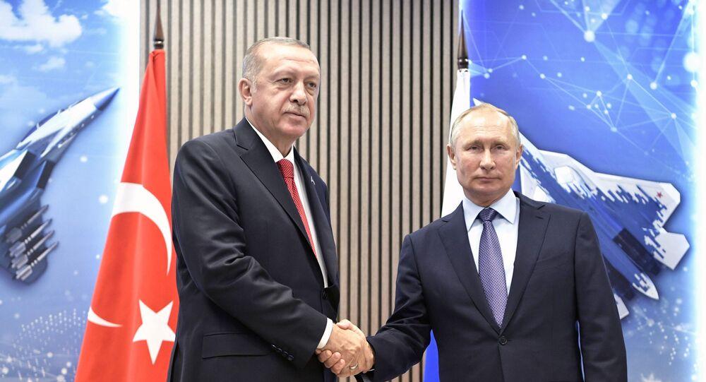 مؤتمر صحفي - الرئيس الروسي فلاديمير بوتين والرئيس التركي رجب طيب أردوغان في إطار معرض ماكس 2019 للطيران الجوي في مطار جوكوفسكي في ضواحي موسكو، 27 أغسطس/ آب 2019