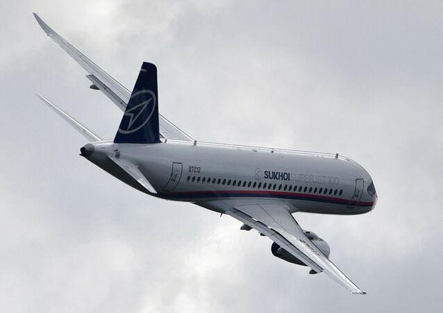 طائرة سوخوي سوبر جيت 100