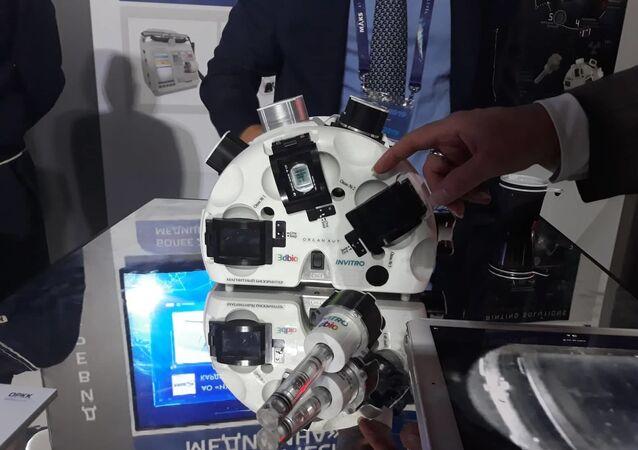 طابعة ثلاثية الأبعاد لطباعة خلايا الأعضاء الحيوية
