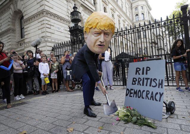 مظاهرات في شوارع لندن احتجاجا على قرار الملكة البريطانية إليزابيث الثانية بتعليق البرلمان، 28 أغسطس/ آب 2019