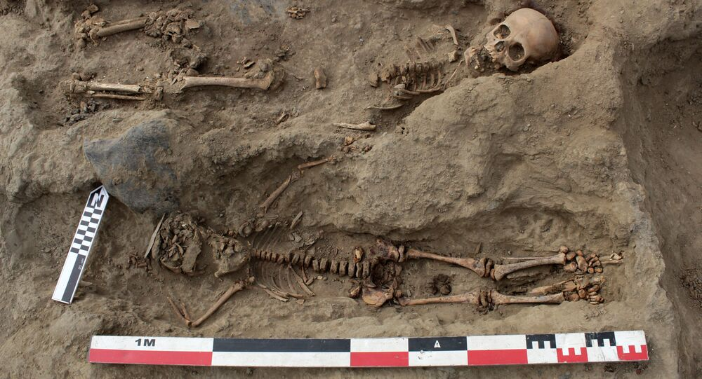 اكتشاف أكبر مقبرة جماعية للأطفال في العالم (227 طفلا)، حيث كان دفن فيها الأطفال الذين كانوا بمثابة تضحية وقرابين بالقرب من تروخيو في بيرو، 27 أغسطس 2019