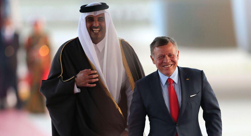 العاهل الأردني الملك عبدالله الثاني مع أمير قطر الشيخ تميم بن حمد آل ثاني، في العاصمة الأردنية عمان