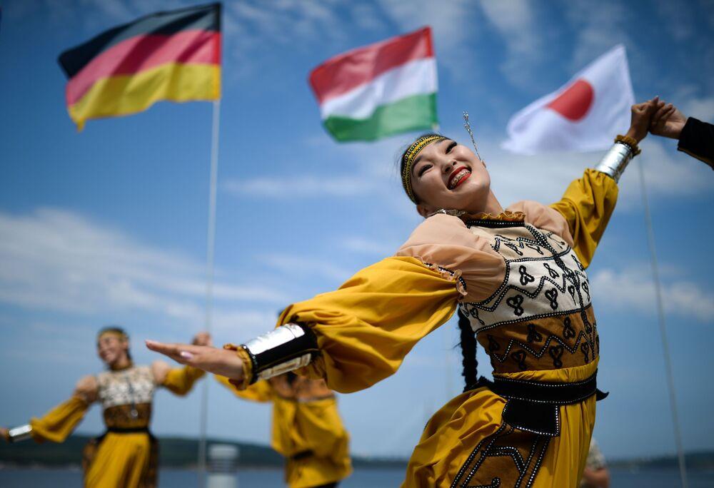 مراسم احتفالية بمناسبة انطلاق المنتدى الاتصادي الشرقي في فلاديفوستوك، روسيا