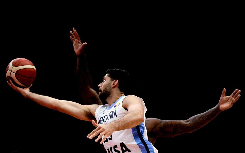باتريسيو غارينو (الأرجنتين) في مرحلة المجموعات من بطولة العالم لكرة السلة 2019 بين منتخبي الأرجنتين وجمهورية كوريا الجنوبية