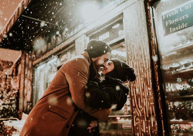 قبلة، حب، علاقات