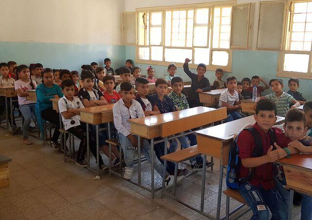 تنظيم قسد يغلق 2154 مدرسة سورية  في الحسكة ويمنح بعضها للجيش الأمريكي