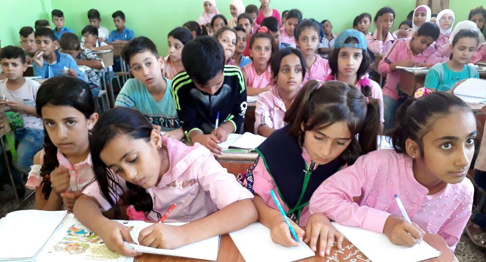 تنظيم قسد يغلق 2154 مدرسة سورية بالحسكة ويمنح بعضها للجيش الأمريكي