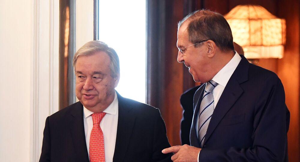 وزير الخارجية الروسي سيرغي لافروف والأمين العام للأمم المتحدة أنطونيو غوتيريش