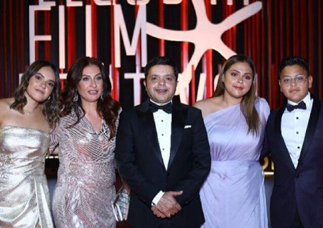 الفنان المصري محمد هنيدي وعائلته