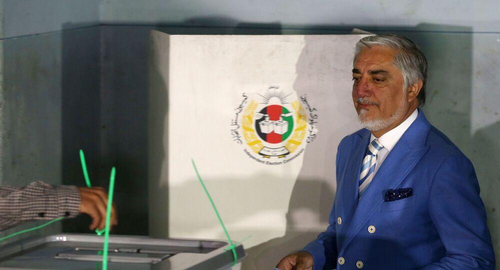 رئيس السلطة التنفيذية في أفغانستان والمرشح البارز في الانتخابات الرئاسية في أفغانستان عبد الله عبد الله