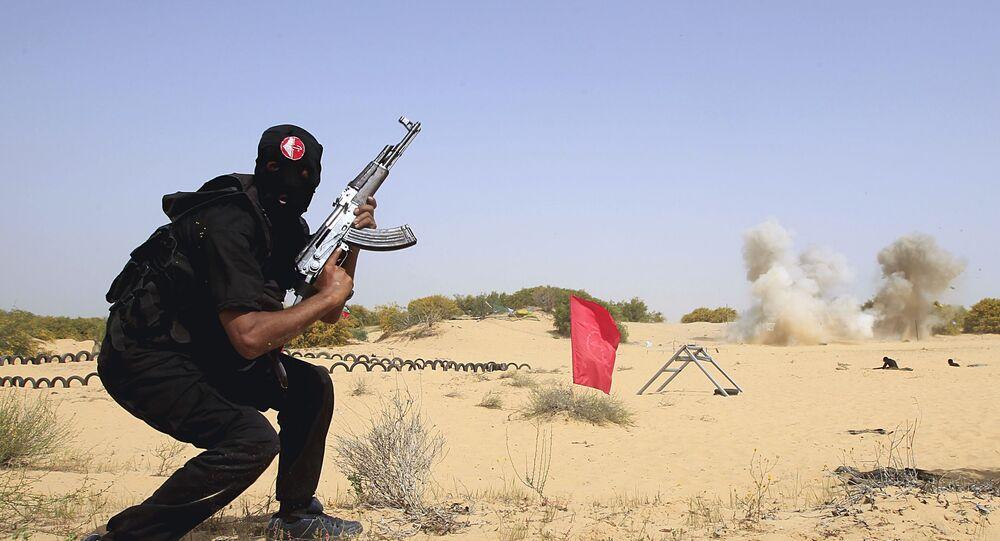 مسلح تابع لحركة الجبهة الشعبية لتحرير فلسطين