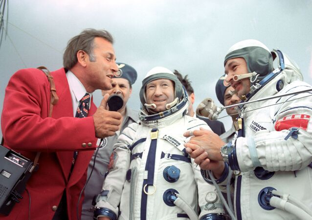 طاقم سفينة الفضاء سويوز 19 رائد الفضاء السوفيتي أليكسي ليونوف وفاليري كوباسوف