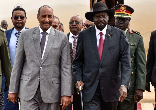 عبد الفتاح البرهان، رئيس المجلس السيادي السوداني لدة وصوله إلى جوبا
