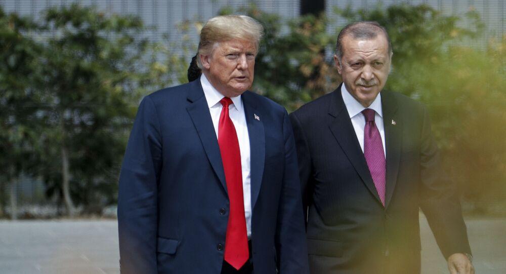 الرئيس الأمريكي دونالد ترامب مع الرئيس التركي رجب طيب أردوغان