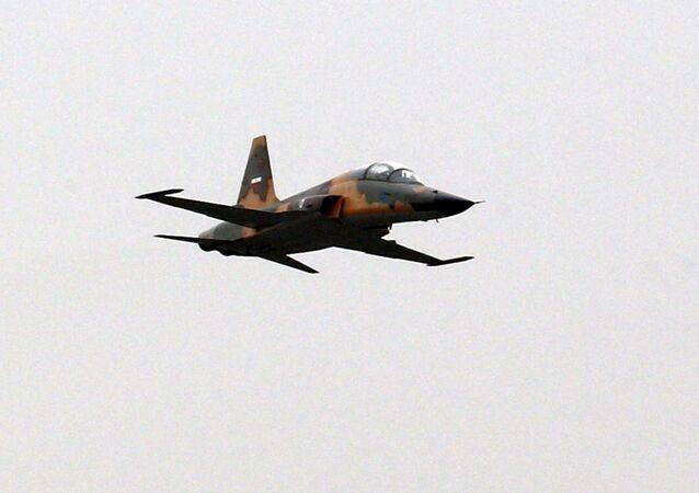 طائرة حربية الجيش الإيراني
