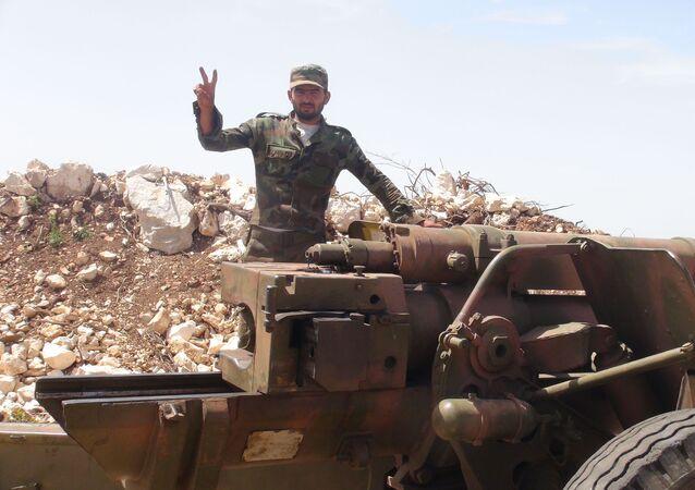 الجيش السوري على الحدود السورية التركية
