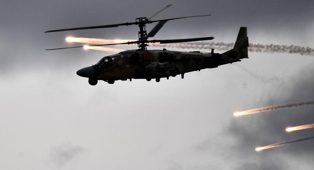 مروحية كا-52 (أليغاتور) أثناء مناورات فزايموديستفيه 2019 في نيجنيغورودسك الروسية، بين ست دول: أرمينيا، بيلاروسيا، كزاخستان، روسيا وقرغيزيا)